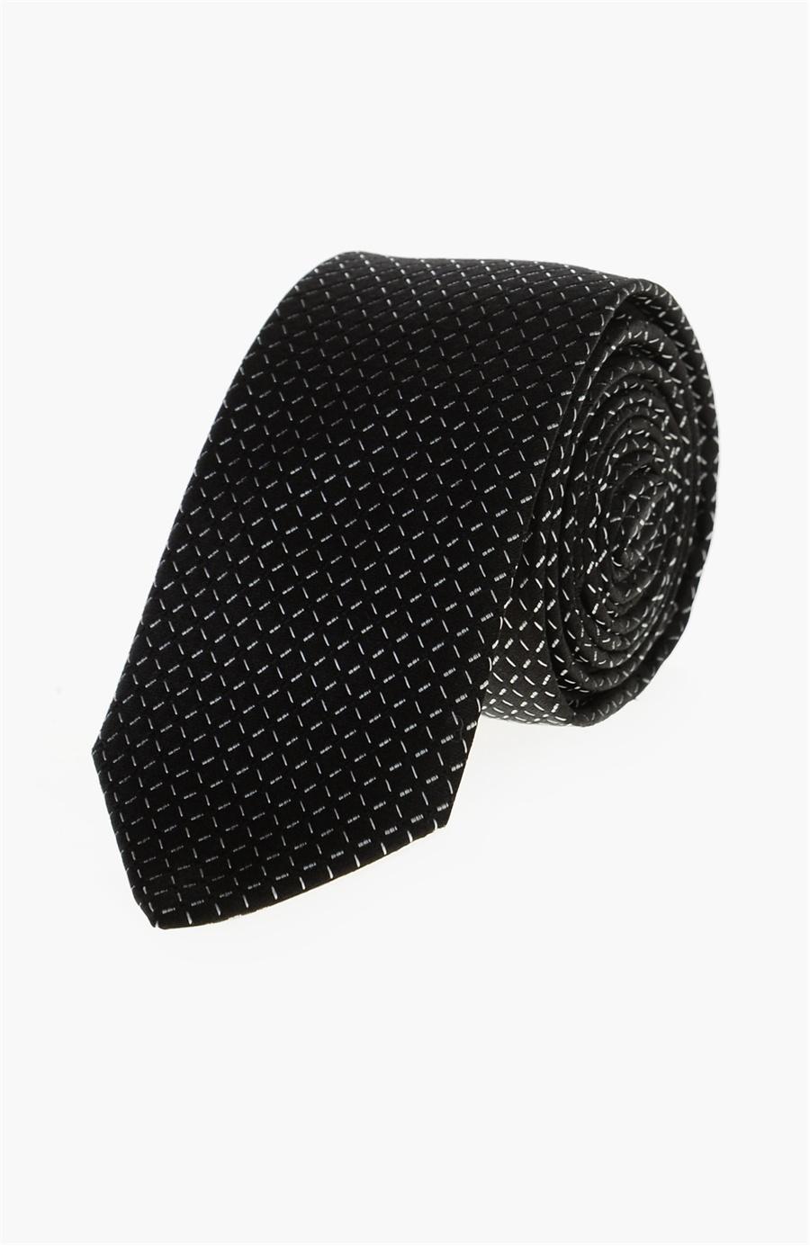 Siyah beyaz desenli kravat